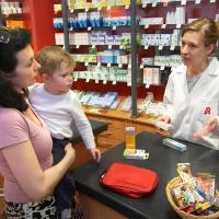Reisende sollten darauf verzichten, im Ausland Medikamente zu kaufen. Foto: ABDA